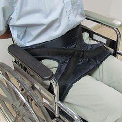 חגורה לייצוב האגן והירכיים לכיסא גלגלים