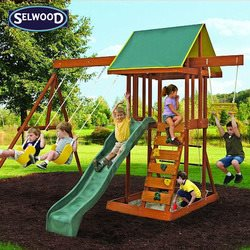 מתקן משחקים לגינה לילדים