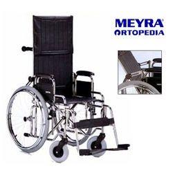 כסא גלגלים עם גב הטייה