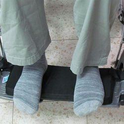 כרית לרגליות לכסא גלגלים