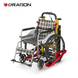מעלה מדרגות לכיסא גלגלים