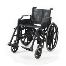 כסא גלגלים מפלסטיק