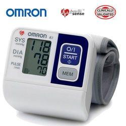 מד לחץ דם ודופק לפרק כף היד  R2