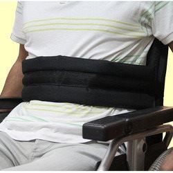 חגורה לכסא גלגלים עם פד קדמי