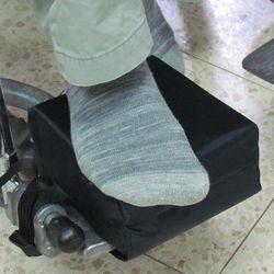 כרית הגבהה לכף הרגל לכסא גלגלים